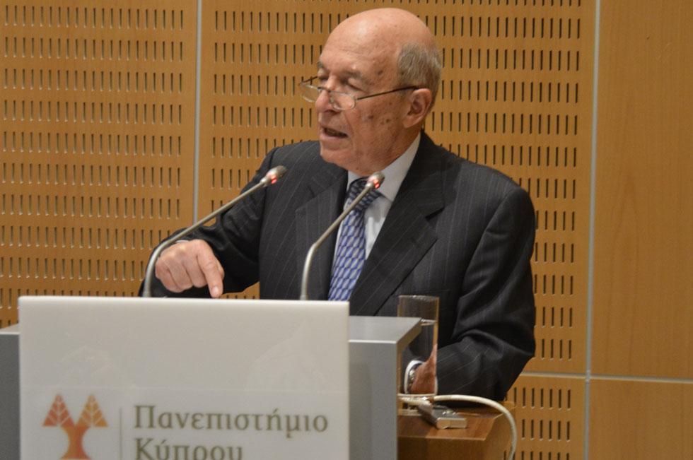 """Διάλεξη με θέμα """"Η Ευρωπαϊκή Ένωση σε αδιέξοδο;"""" στο Πανεπιστήμιο Κύπρου"""