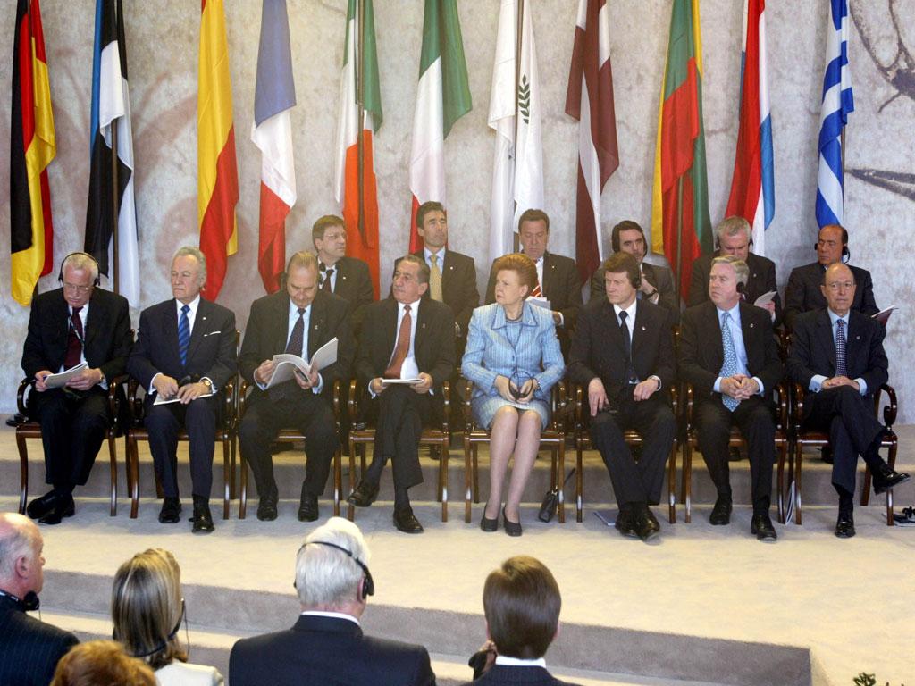 Οι κυβερνήσεις μας άλλαξαν ριζικά τους στόχους και τον τρόπο άσκησης της εξωτερικής πολιτικής