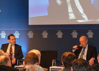 Συνομιλία του Κώστα Σημίτη με τον Παύλο Τσίμα στο 2ο συνέδριο του Οικονομικού Φόρουμ Δελφών